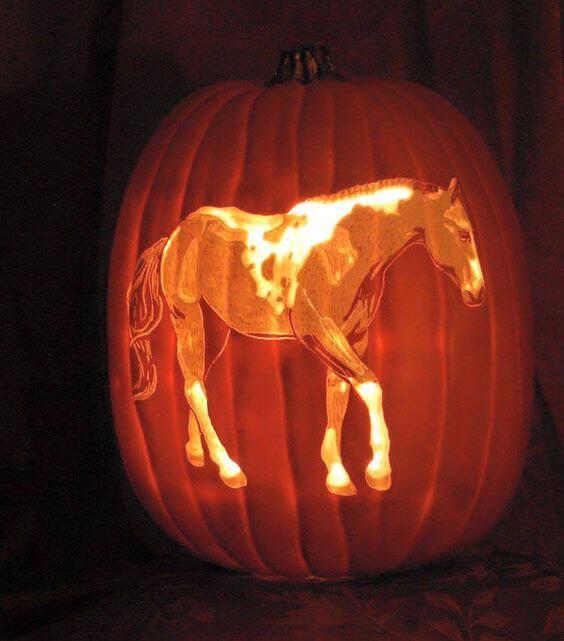 Horse full stand pumpkin curving