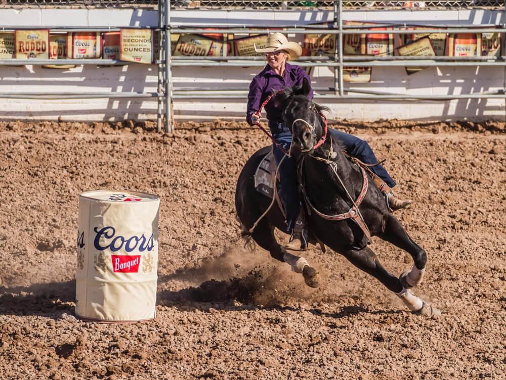 barrel racing horse show