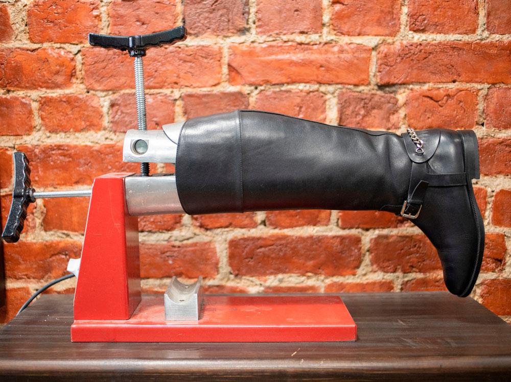 boot calf stretching machine